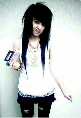 I use to be obsessed with Brookelle Bone's hair <3