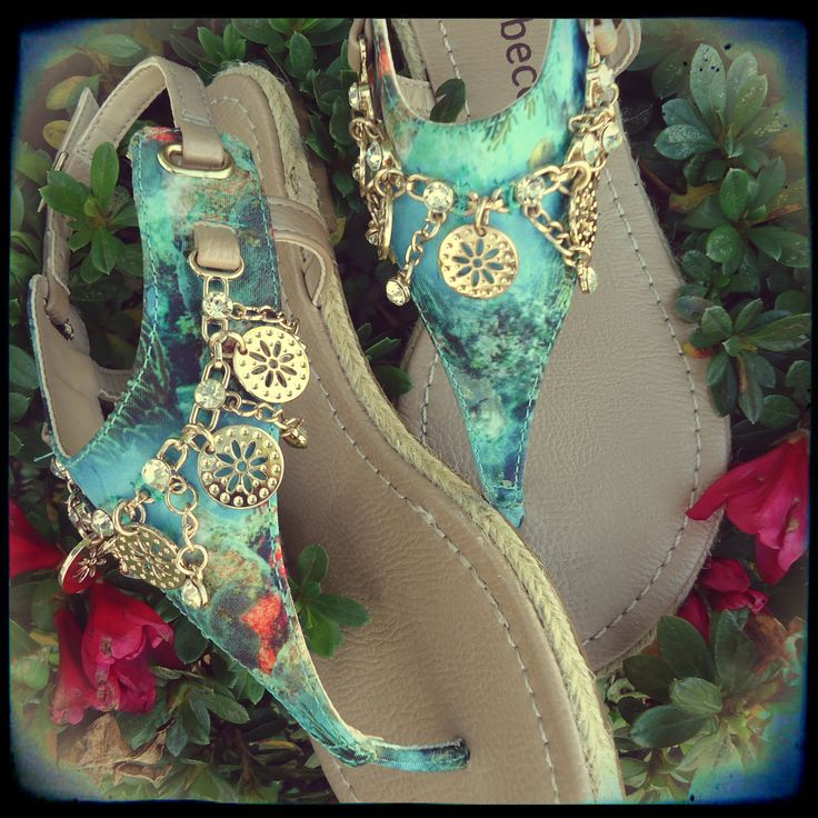 gypsy style-Hmm, where do I find these? Maybe I can make them , a little paint , a little fabric,& a couple of charms.