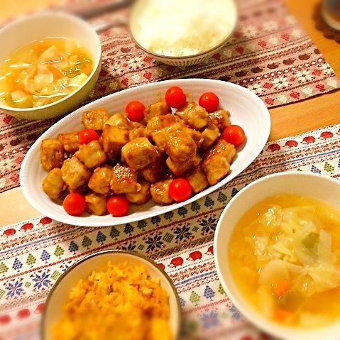 高野豆腐の使い道を調べてたら北斗晶さんのブログに遭遇。 http://amba.to/10uGT1g - 13件のもぐもぐ - 北斗晶さんの高野豆腐のサイコロステーキ、野菜スープ。 by asumi1022