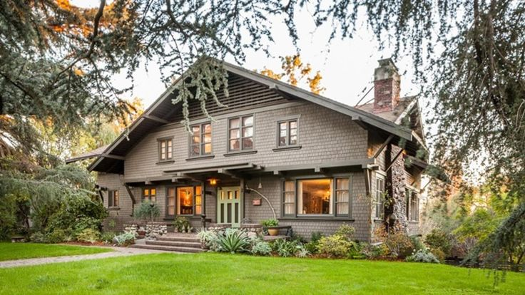 The Greene & Greene Craftsman gem was commissioned by the president's widow.