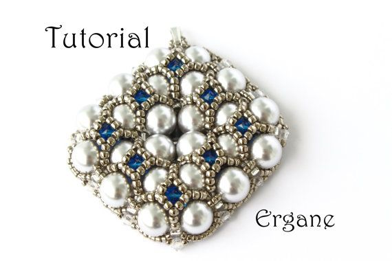 Very elegant and shiny pendant. Sparkle Evening Pendant looks great with pearls (you can use also Fire Polish) and sparkly bicones. #beading #pendant #pearl #bicone #toho #pattern #tutorial