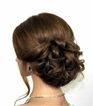 Repin Or Like It - And I'll Like 5 Your Last Pins!!! Easy romantic hairstyles for long medium hair. Step By Step Video Tutorial in http://makeupnailartideas.blogspot.com/2015/02/easy-romantic-hairstyles-for-long.html