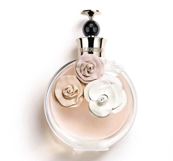 Valentino: mulher moderna é inspiração para novo perfume Valentina on http://furiarosa.com