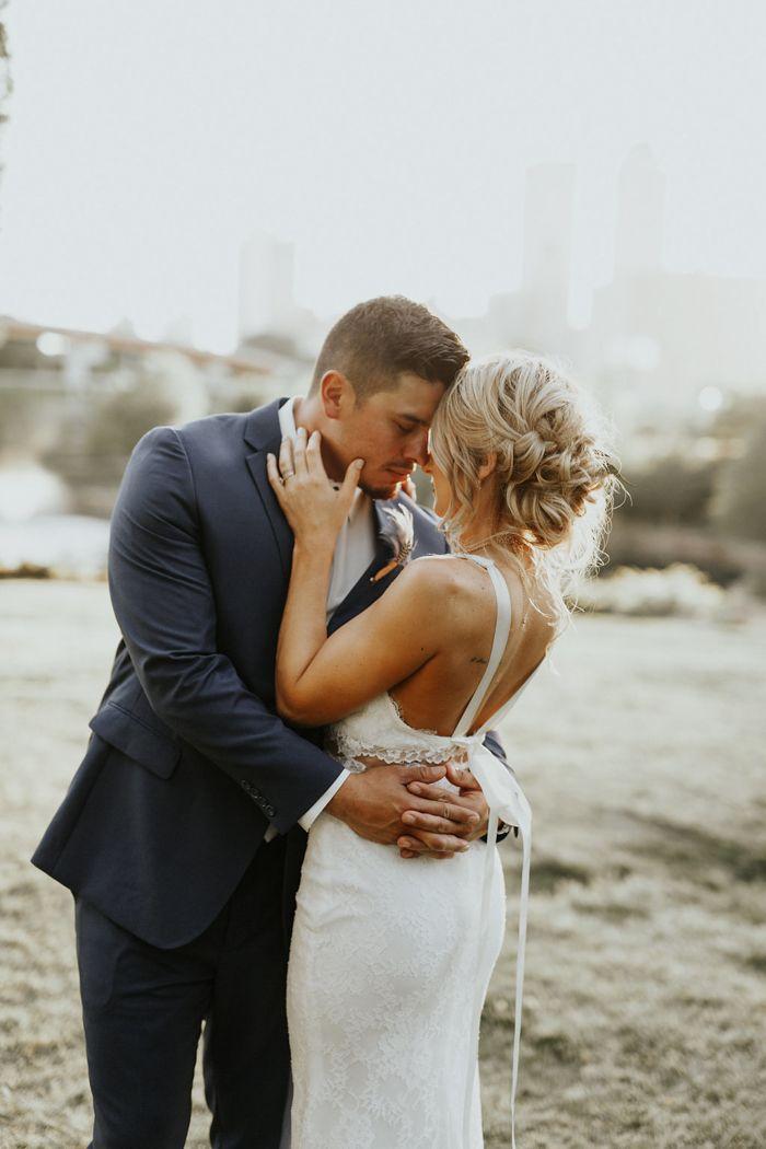 Love these couple photos with the city as a modern backdrop | image by Chelsea Bollinger  #modernwedding #weddingphotoinspiration #weddingphotoideas #weddingportrait #couple #cutecouple #sexyweddingphoto