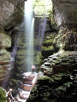 洞窟 - Wikipedia