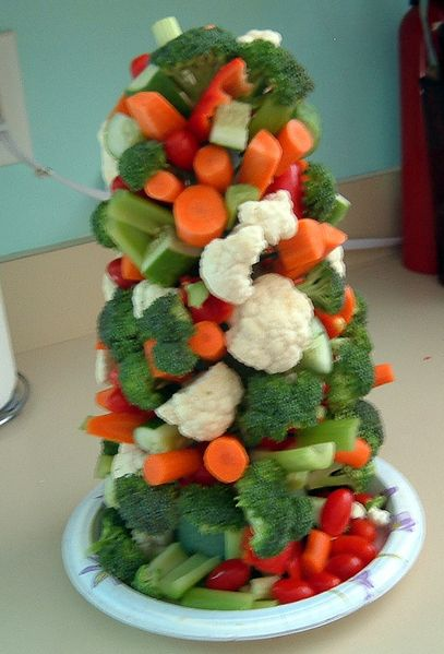Veggie Christmas Tree AppetizerAppetizers Snacks, Food Appetizers, Veggies Trees, Christmas Veggies, Veggies Christmas, Trees Appetizers, Appetizers Salad, Christmas Trees, Veggies Cake