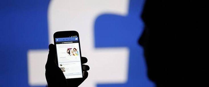 Facebook, yakın zamanda sayfa yöneticilerinin işini kolaylaştıracak önemli bir özelliği getirmeye hazırlanıyor. Yeni özellik Hızlı Mesaj ile sayfa yönetici ve editörleri, gönderiye yorum yapanlara zahmetsiz mesaj gönderebilecek. Facebook, sayfa yöneticilerinin işini kolaylaştıracak ve kullanıcılar ile etkileşimi artıracak özelliğini yabancı dil için kullanıma sundu. Şuan için Türkçe kullananlarda aktif olmasa da dil seçeneklerinden tercihinizi İngilizce olarak …