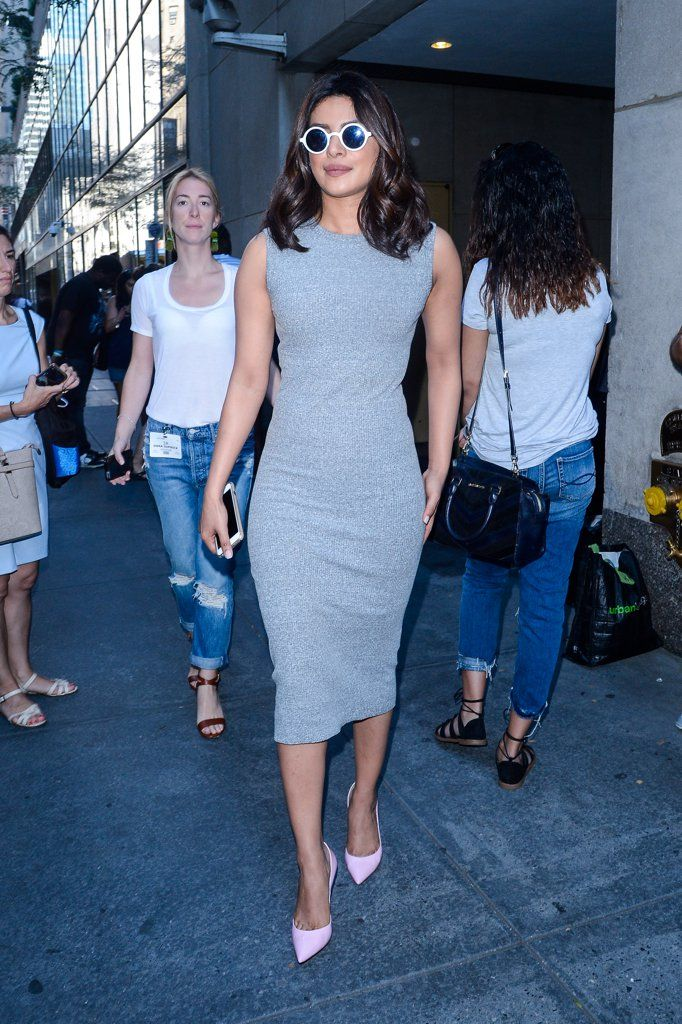 Priyanka Chopra's simple outfit makes a statement.