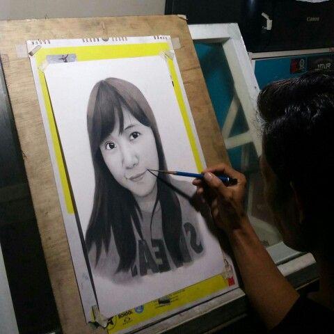 sketsa wajah pesanan dari Singapura  info pemesanan  WA: 08 222 111 19 20 http://lukiswajah.com/  #art #jasasketsawajah #sketsawajah #lukiswajah #lukispotrait #jasalukiswajah #illustration #drawings #pencils #ink #sketch