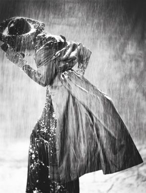 "photo: Vogue Italia ""Storm,"" ©Paolo Roversi"