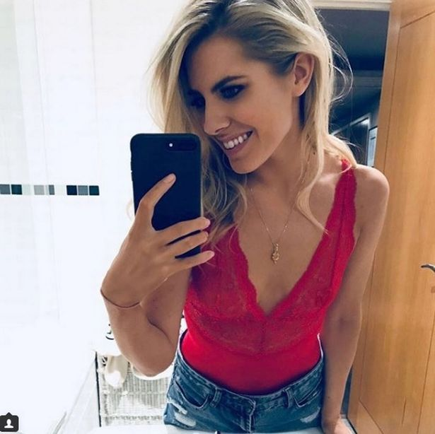 Mollie King flaunts incredible Strictly Come Dancing weight loss that's left jeans hanging off her toned waist - http://fitnesshealthyoga.com/mollie-king-flaunts-incredible-strictly-come-dancing-weight-loss-thats-left-jeans-hanging-off-her-toned-waist/
