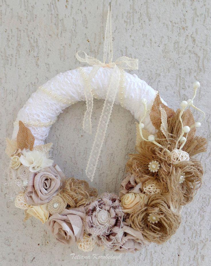 Corona decorativa, burlap, fiori di stoffa, decor per Natale, le nozze, by Silkribbonembroidery, 70,00 € su misshobby.com