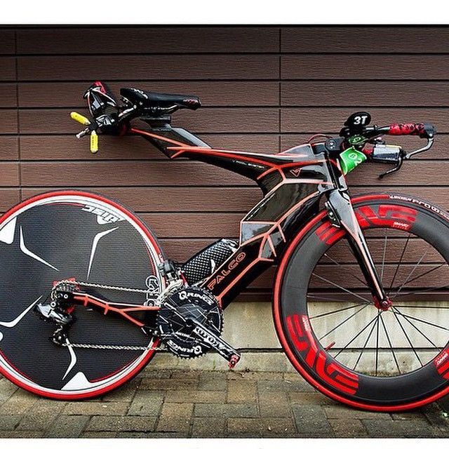 "1,822 Likes, 289 Comments - C Y C L I N G T I P S (@cyclingtips) on Instagram: ""The Falcons V spotted in Japan. What a weapon. Hot or not?"""