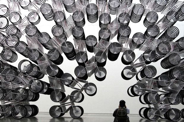 """Forever Bicycles by Ai Wei Wei: """" The welding of several thousands of bikes together is a commentary on the rapid pace of China's social change."""" via hypebeast #Bicycles #Ai_Wei_Wei"""