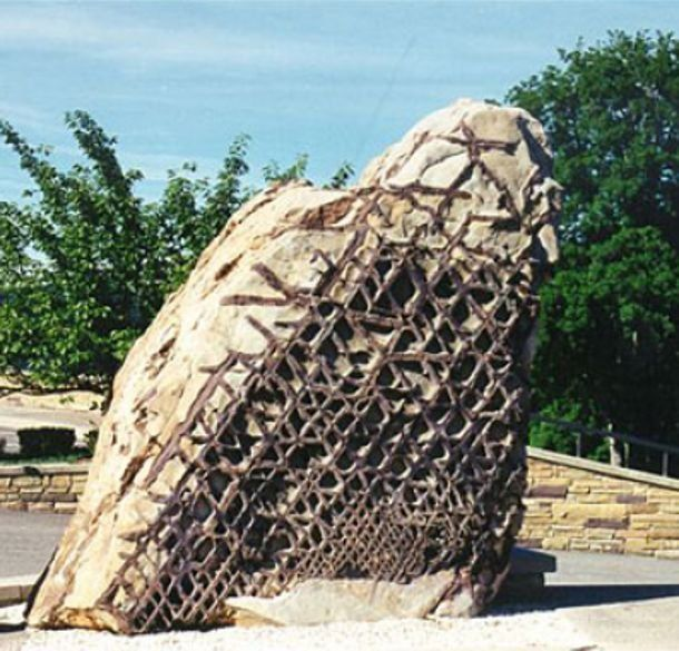 Is America's Mysterious Waffle Rock  Proof Of Ancient High-Tech Or A Natural Formation?  Read more: www.messagetoeagl...