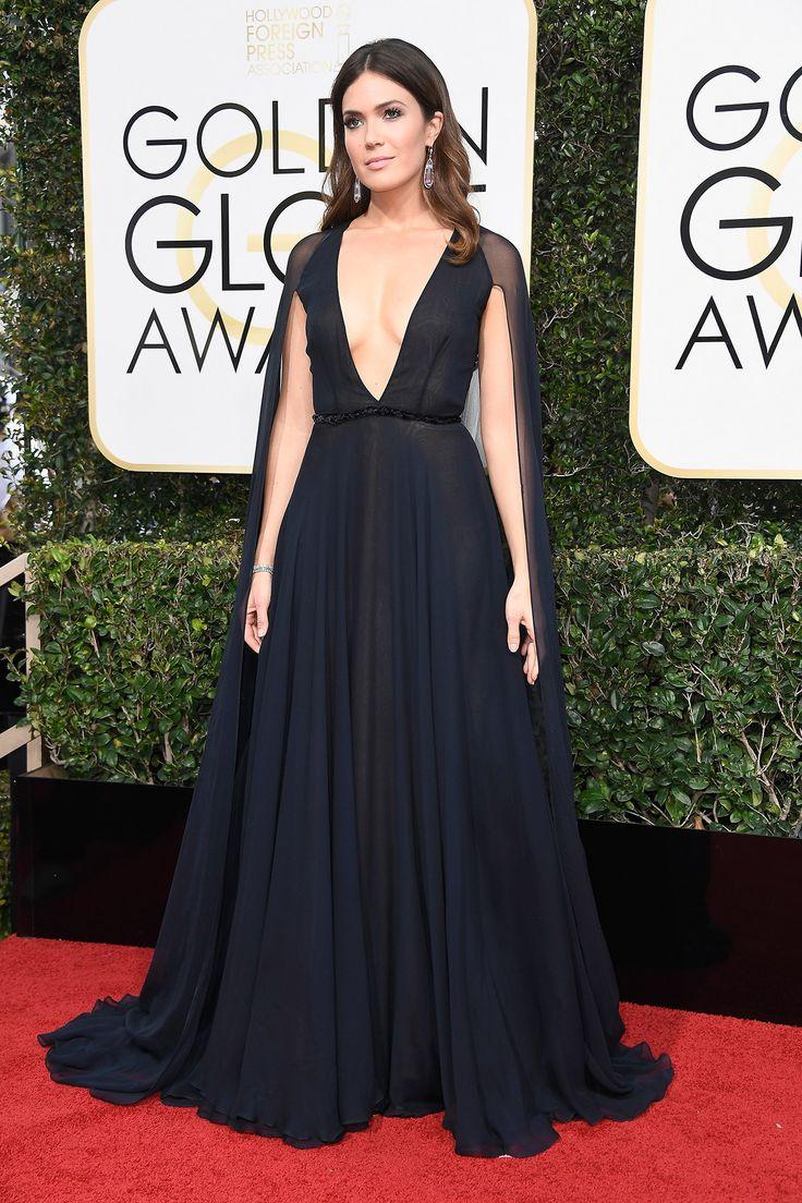 Golden Globes 2017 Red-Carpet Mandy Moore