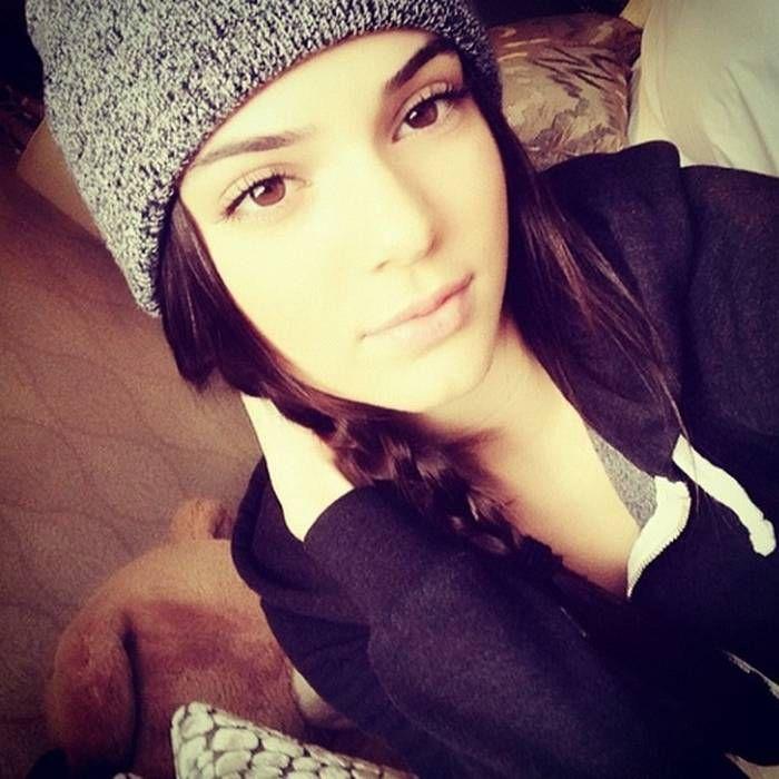 Kendall_Nicole_Jenner.jpg 700×700 pixels