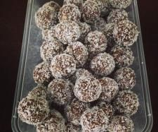 Recipe Amie's Nut Free Chocolate Bliss Balls by ThermoAmie - Recipe of category Basics