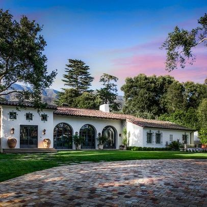 Buy a spanish villa holiday home mediterranean homes for Spanish villa house