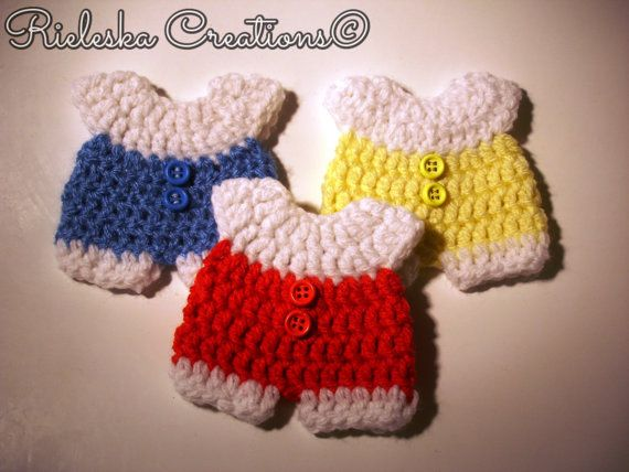 Crochet PDF pattern- baby onesie for baby shower/baby miniature size: 8 cm - 3,15 inches  *Worsted weight yarn and hook size: 3,50mm*  Price is for the