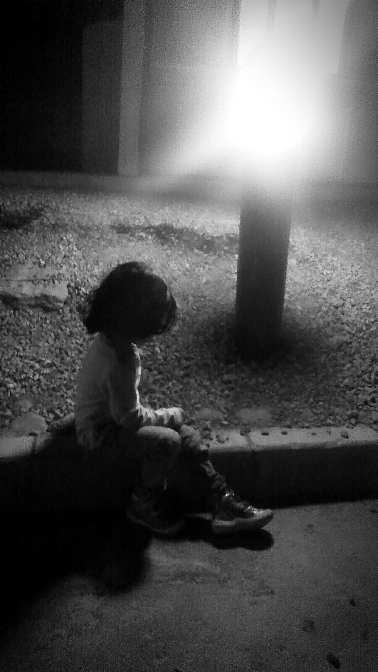 She was in her own world,worrying about nothing...And that saved her...#Hayah #NightPhotography #AlHootaCave #Muscat @najwajibin @safa182 @Rifahmed @railu0260