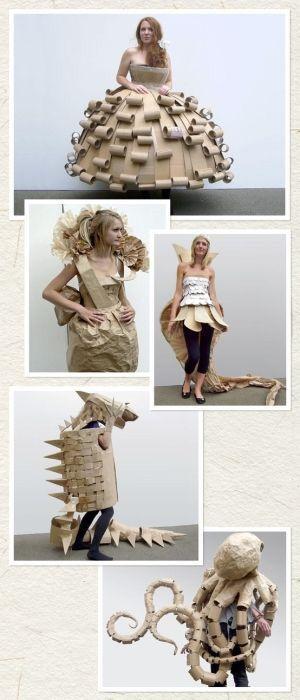 Cardboard costumes Kartonnen kostuums