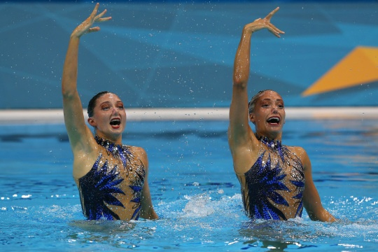 Olivia Federici and Jenna Randall of Great Britain