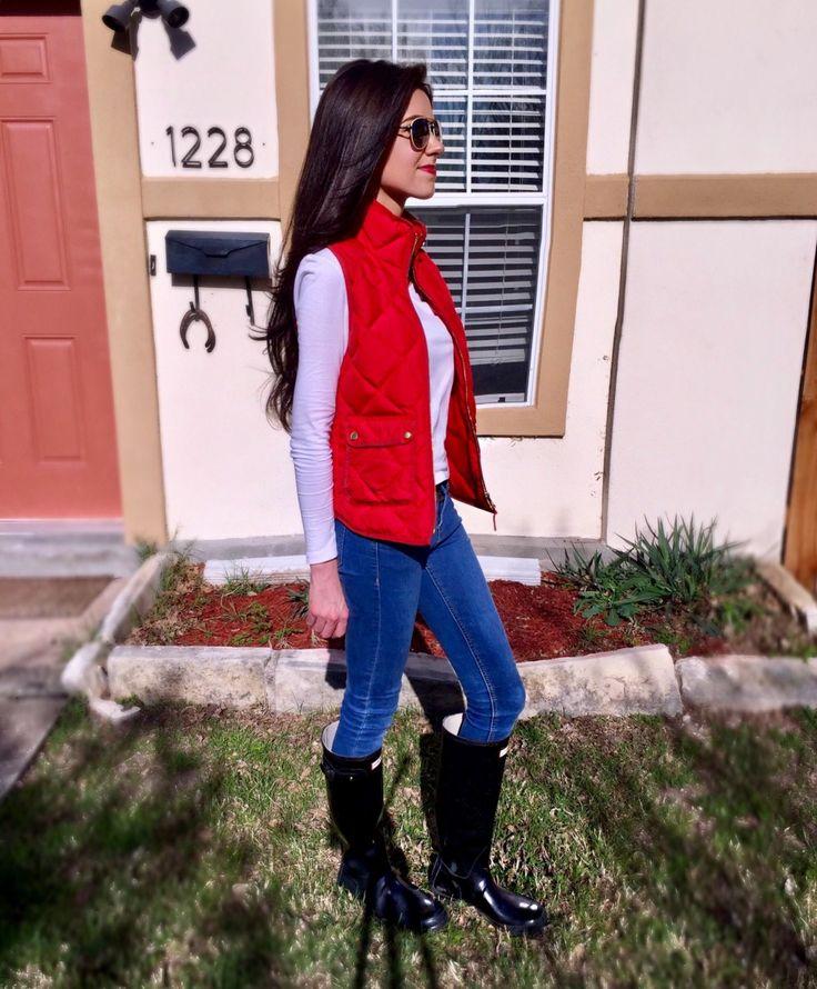 @sarahfarson | J.Crew Vest and Hunter Boots