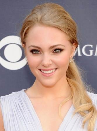 AnnaSophia Robb Will Play Young Carrie Bradshaw in The Carrie Diaries