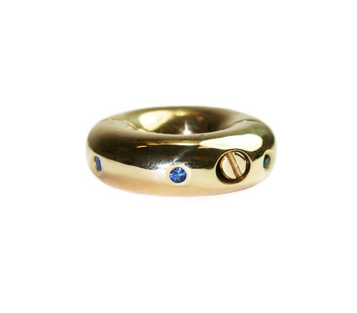 кольца в половых губах история о