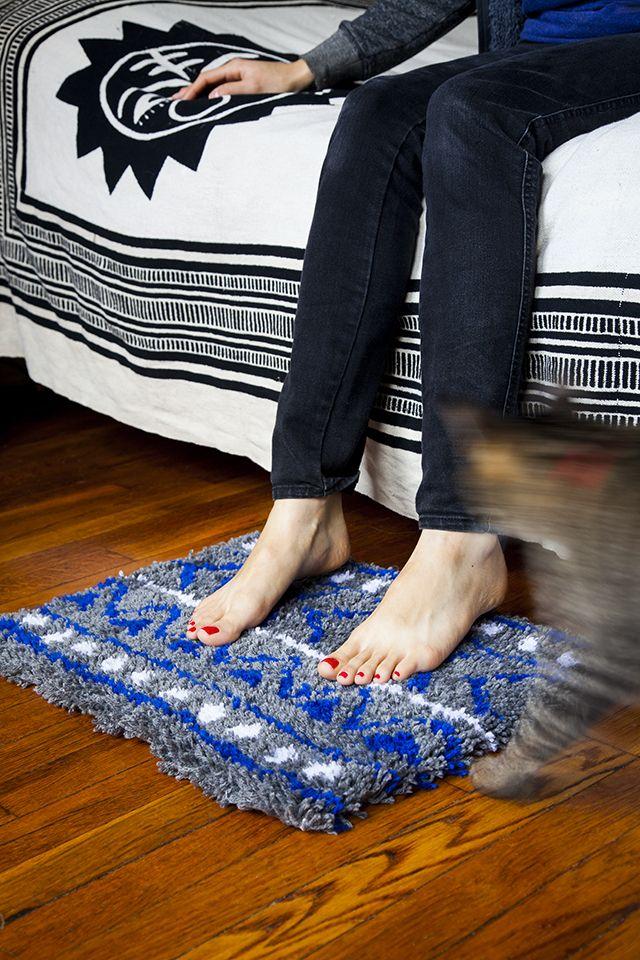 Tapis crochet de verrouillage bricolage inspiré par le tissu de boue par Jessica Marquez for Design Sponge
