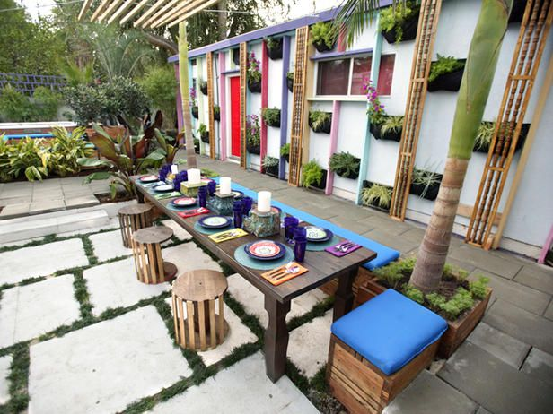 High-energy Outdoor Dining by Jamie Durie (Australia Day, 1/26)