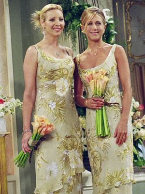 Phoebe and Rachel at Monica and Chandlers wedding.