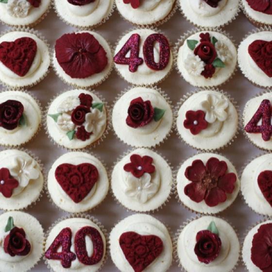 Cake Decorating Ideas For Ruby Wedding