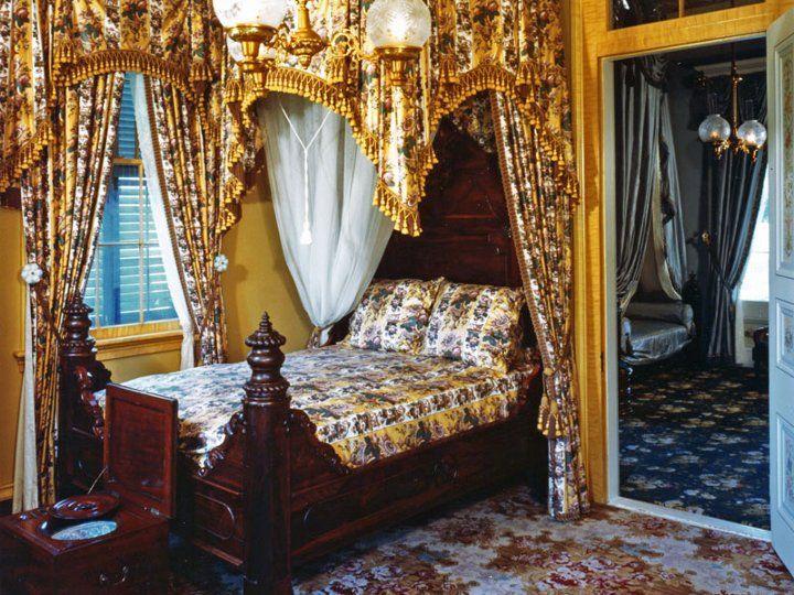 San Francisco Plantation House | Bedroom In San Francisco Plantation  Located In Louisiana
