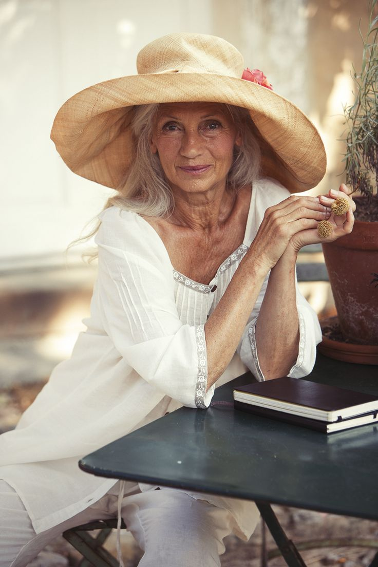 baby boomer models - aging, aging gracefully, positive aging, grey, gray, silver, 50+, baby boomers, baby boomer, generation, senior, seniors, retirement, inspiration, lifestyle, motivation, fashion, glamour, beauty, #babyboomers #babyboomers