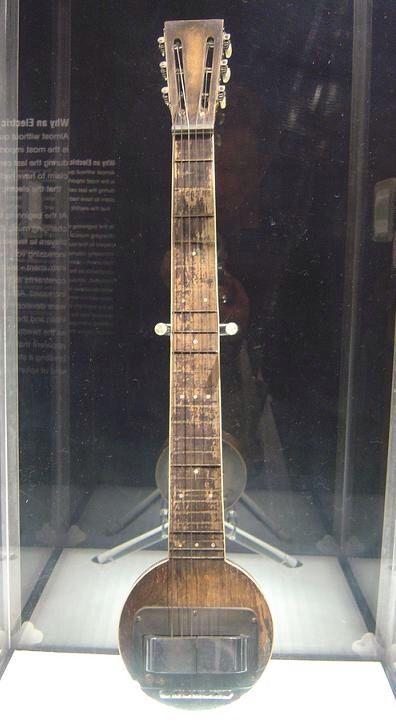 First Electric Guitar : rickerbacker first ever electric guitar the frying pan guitars pinterest the o 39 jays ~ Russianpoet.info Haus und Dekorationen
