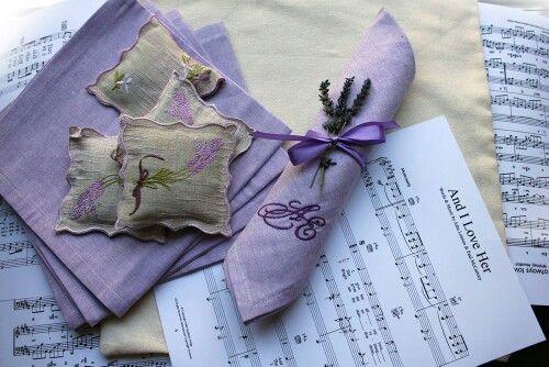 Свадебные салфетки с вышивкой инициалов молодоженов