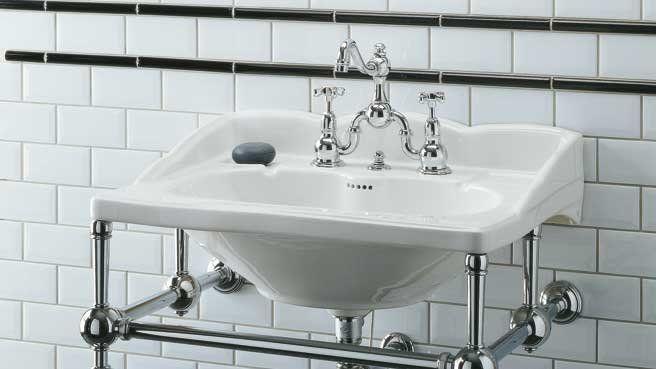 1000 id es sur le th me lavabos de salle de bain r tro sur - Carrelage metro salle de bain ...