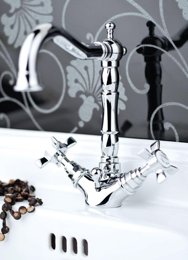 Rubinetteria Princeton RN834 #GaiaMobili #Gaia #bathroom #bagno #bathroomideas #bath #madeinitaly #italian #bathroompics #architect #interior #interiordesign #bathroomideas #design #designer #taps #rubinetteria #faucets #faucet #rubinetto #style #styles #details #chrome #arredobagno #arredamento #classico #bagnoclassico