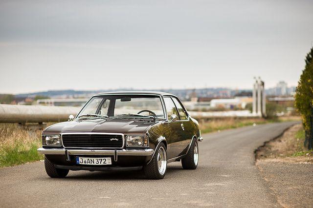 Opel Rekord D (1971–1977)
