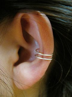 Simple flattened ear cuff - Trinkets - PinkLion #shophandmade #handmade #pinklion #jewelry #silver #accessories #shoponline