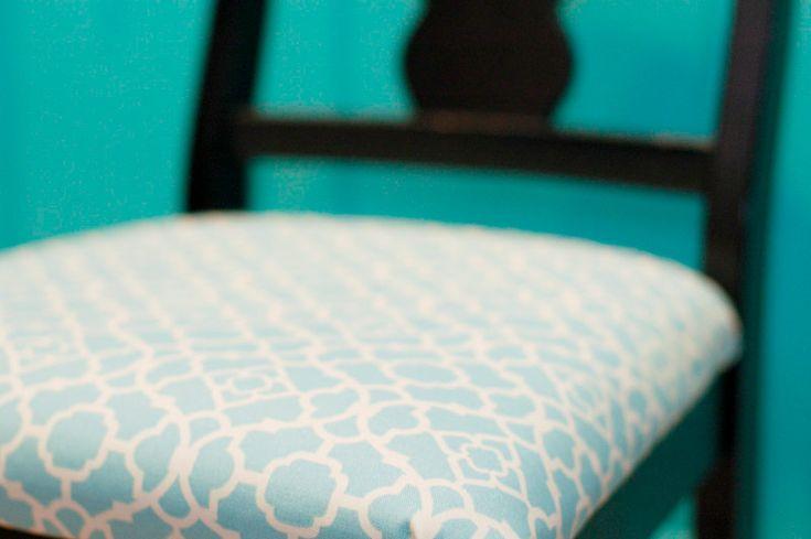 klä stolar/kökssoffa i fint tyg  15 små detaljer som kommer få ditt kök att sticka ut - Sköna hem