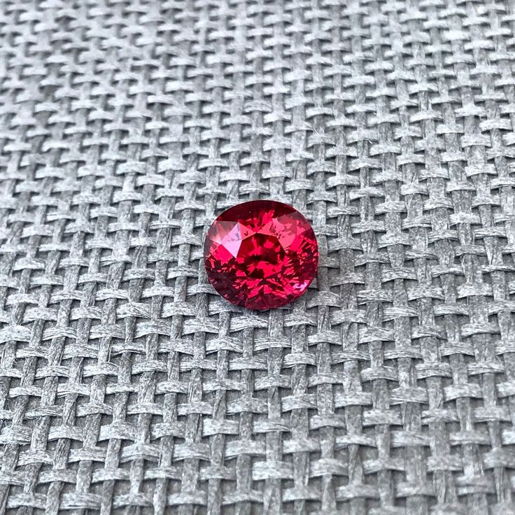 Weight of this natural red spinel is 5,62 ct!  Red spinel is the most expensive and the most desirable spinel variety and a perfect investment. ID: spr-562-1