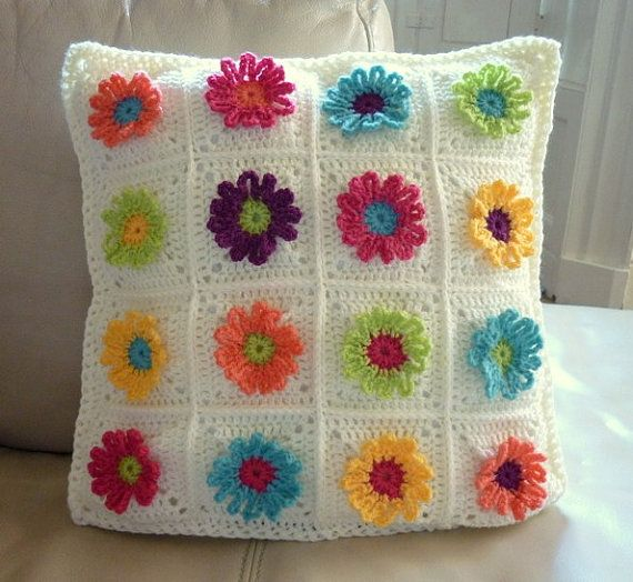 Daisy Chain Pillow Crochet Pattern by Colourinasimplelife on Etsy, $8 ...