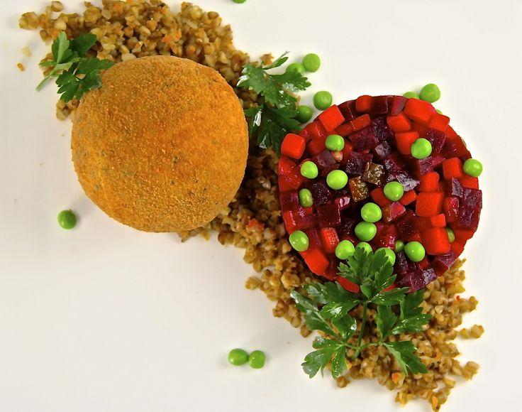 Chicken Kiev, Buckwheat, Vinegret (Котлета По-Киевски, Гречка, Винегрет)