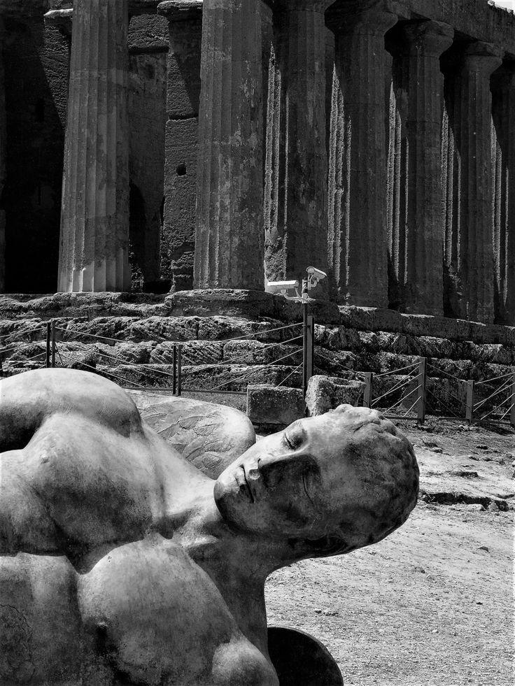 Carmelo Pinna photography - Agrigento, Mitoraj nella valle dei templi