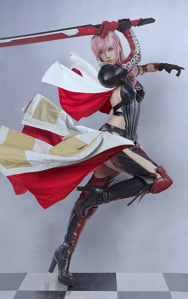 El cosplay de Lightening de Final fantasy XIII que te hará creer que no es real… |