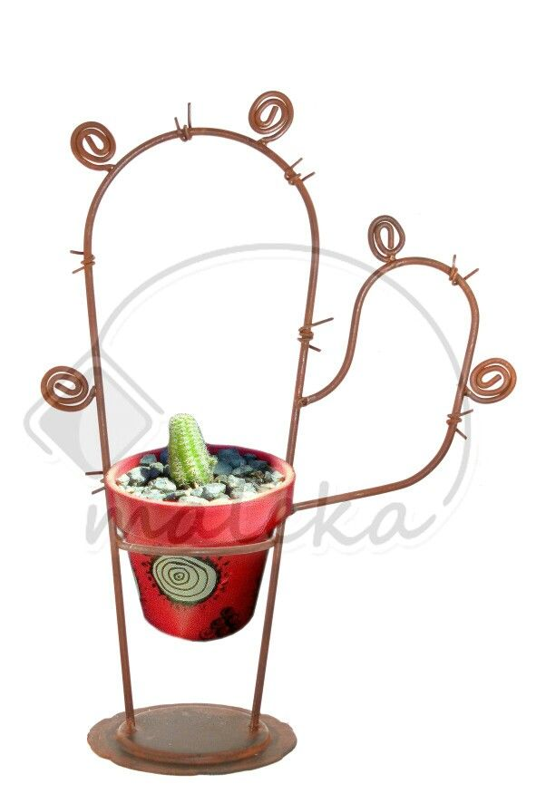 Porta cactus en hierro oxidado
