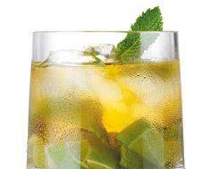 Canadian Julep | Maple syrup gives the classic mint julep a Canadian twist. Enjoy this refreshing recipe from #LCBO. #airmiles #canadaday